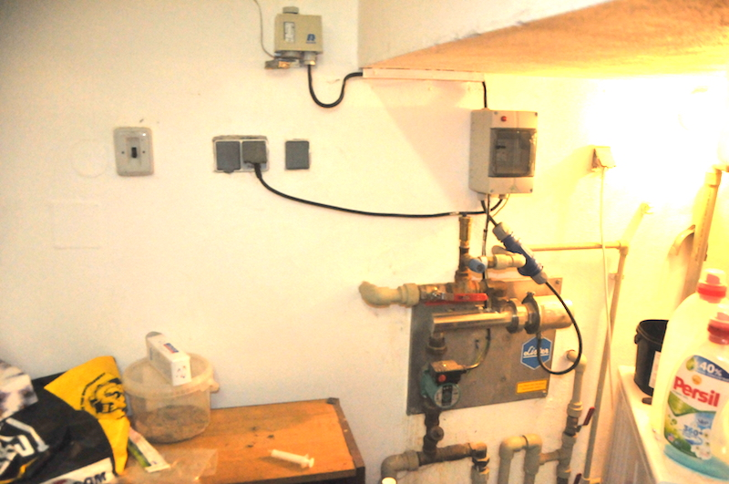 33725 oběžné čerpadlo pro vyhřívání přívodu 13 napáječek, 16 let v provozu