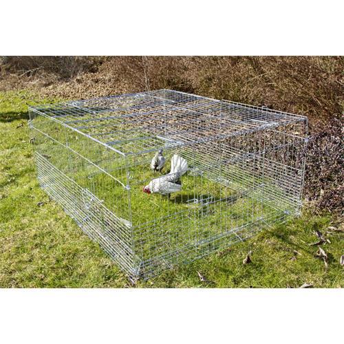 Výběh pro králíky, hlodavce a drůbež 144 x 112 x 60 cm s protipodhrabávacími destičkami, hustým pletením, rovná střecha, 3 dveře Klec venkovní, 3 dveře, pozinkovaná 144x112x60 cm vhodné i pro drůbež.