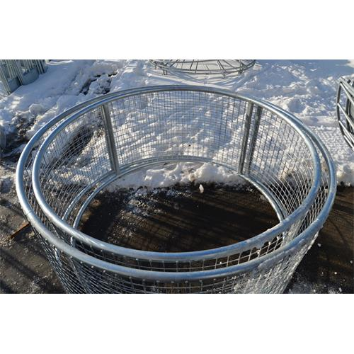Příkrmiště kruhové pro koně se sítí, pozinkované průměr 170 cm, výška 80 cm Při odběru obou příkrmišť (pr. 170 cm a pr. 155 cm) je účtováno jedno dopravené (přímriště je možné