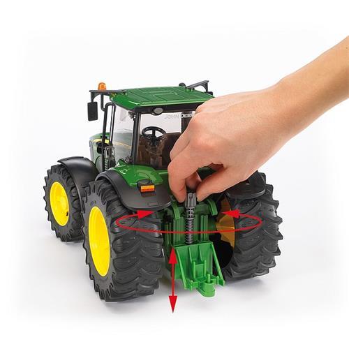 Bruder 03051 Traktor John Deere 7930 a čelní nakladač Bruder 03051 Traktor John Deere 7930 a čelní nakladač