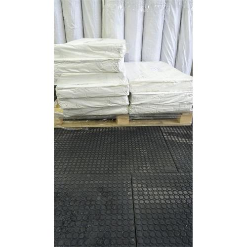 Deska podlahová z recyklovaného PVC - 120 x 80 cm Deska podlahová z recyklovaného PVC, 120x80 cm, tl. 23 mm
