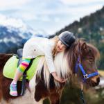 Na co nezapomenout při vybavení dítěte na letní tábor s koňmi?