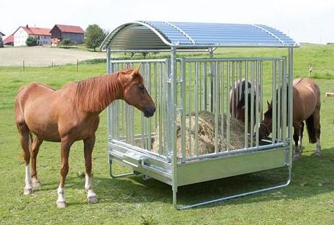 Příkrmiště pro koně čtyřhranné